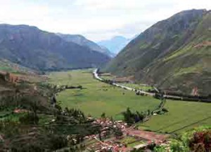 sacred-valley-from-cusco-highway